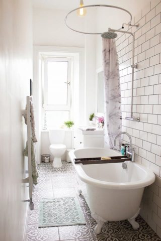 9 Bathtub Options For Small Bathrooms